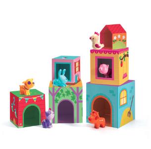 Οι κύβοι με τα πολύχρωμα και ευφάνταστα σχέδια της εταιρίας Djeco, προκαλούν τα παιδιά να τους συνθέσουν και να τους ταξινομήσουν. Ένα παιχνίδι που αναπτύσσει τον συντονισμό ματιού-χεριού, την λεπτή κίνηση, καθώς και τη φαντασία των παιδιών ώστε να δημιουργήσουν διάφορες εικόνες και παραστάσεις. Περιλαμβάνει επίσης 6 ζωάκια και είναι κατάλληλο για παιδιά ηλικίας από 1 έως 3 ετών. Ηλικία Από 1 μέχρι 3 ετών Διαστάσεις Π150 x Y150 x Β230 χιλ.